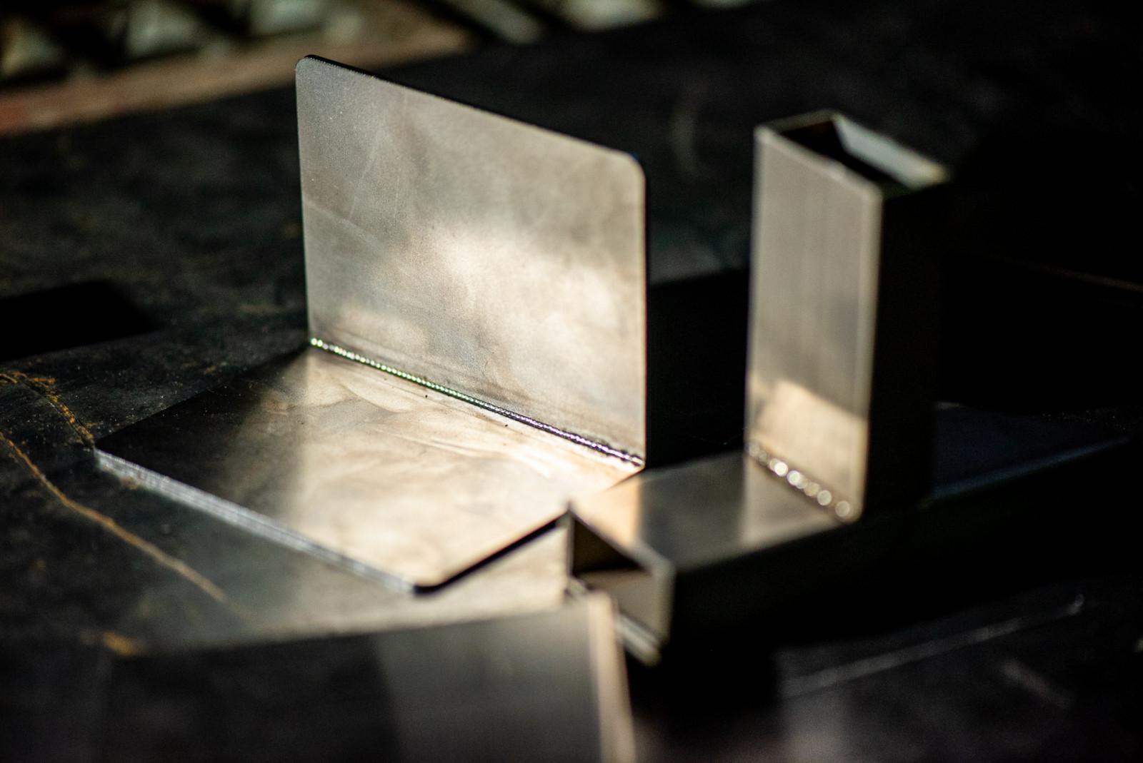 Ugaoni spoj - kutijasti profili i konstrukcioni čelik debljine 3mm